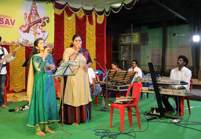 Devotional Music by Play back singer Mrs Anuradha Sriram group from Chennai